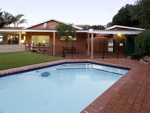 26 Swimming Pool communal